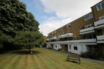 Flat in Well House, Banstead