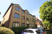 Flat to rent in Mayfield Court...