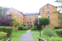Apartment to rent in Campion Close, Croydon