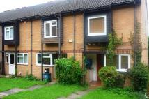 2 bedroom house to rent in Whitmead Close...