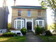 Flat to rent in Nottingham Road, Croydon