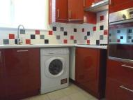 Flat to rent in Friends Road, Croydon