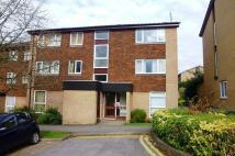 Flat in Bardsley Close, Croydon