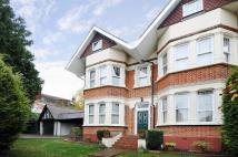 Apartment to rent in Russell Hill, Purley