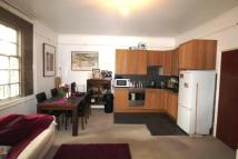 Flat in Lower Addiscombe Road...