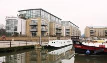 2 bedroom Flat in Point Wharf Lane...