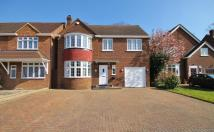Detached home in Elizabeth Way...