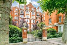 4 bedroom Flat in Fitzjames Avenue, London...