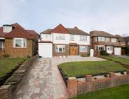5 bed Detached property in Wyvern Road, Purley...