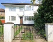 Flat for sale in Cavendish Avenue, Ealing...