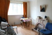 3 bed Flat in Monarch Parade...