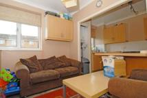 3 bed Flat for sale in Dorset Gardens, Mitcham...