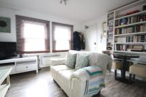 Flat for sale in Penge Road...