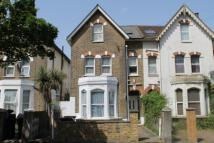 6 bedroom semi detached property for sale in Dagnall Park...