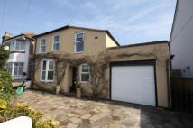 4 bed Detached house for sale in Woodthorpe Road, Ashford...