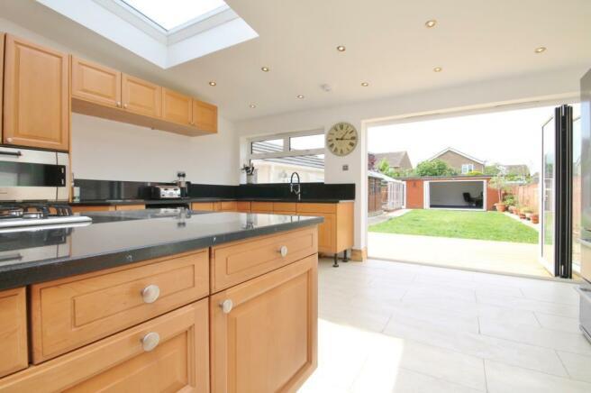 Kitchen & Bi Folds
