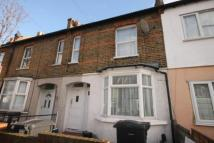 Flat in Lancing Road, Croydon...