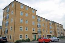 2 bedroom Flat in Whitelodge Close...
