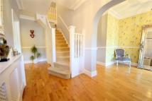 5 bed semi detached property in Park Drive, London