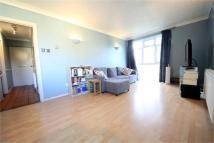 Flat to rent in 8 Bycullah Road, ENFIELD...