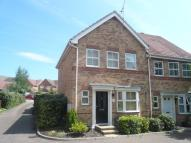 3 bed semi detached property to rent in MAUNDER CLOSE...