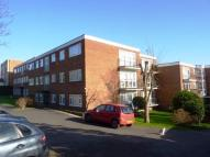 2 bed Flat for sale in Green Lane, Chessington...