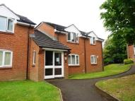 Studio apartment for sale in HUNTING GATE DRIVE...
