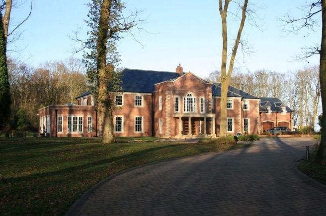 Bedroom detached house for sale in gubeon wood tranwell
