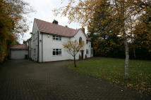 4 bed Detached property in Darras Road, Darras Hall...