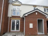 Flat in Broadowler Lane, Ossett...