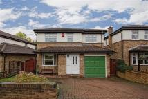 4 bed Detached property in Meadow Vale, Outwood