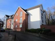 Flat to rent in Woodbrook Grove...