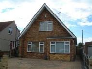 Chalet to rent in Fanton Walk, Wickford