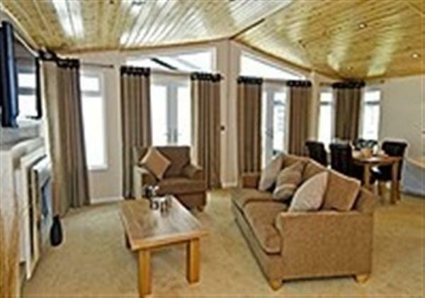 3 Bedroom Park Home For Sale In Luxury Omar Kingfisher Lodge Battlesbridge SS11