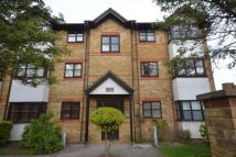 Apartment to rent in Park Lodge, Watford, WD25