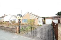 2 bed Detached Bungalow in Croft Road, Newmarket...