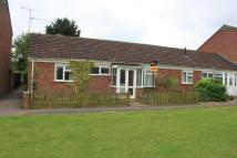 2 bedroom Semi-Detached Bungalow in Aureole Walk, Newmarket...