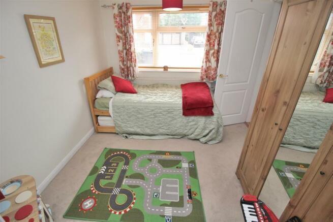 Bed4 Playroom.JPG