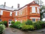 COULSDON Apartment to rent
