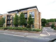 Apartment in Caterham Valley