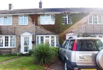 Terraced property in Godstone £1300pcm