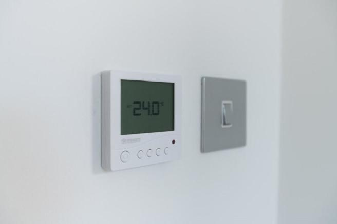 Thermostat system