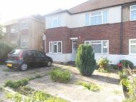 2 bed Maisonette in Valley Close, Pinner
