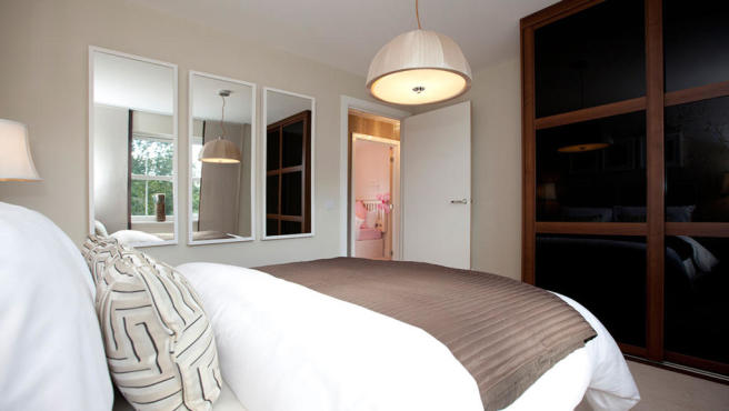 GLD16222 typical bedroom banner