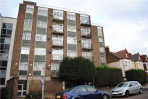 Apartment to rent in 1a Heybridge Avenue...
