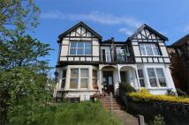3 bedroom Flat in Britannia Road...
