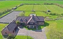 5 bed Detached home in Waddesdon