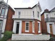 4 bed house in Twynham Avenue, ...