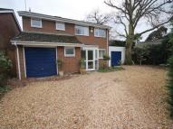 Detached property in Colbourne Close ...