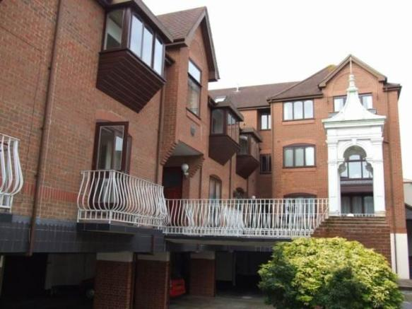 2 Bedroom House To Rent In Park Gate Mews Upper Norwich Road